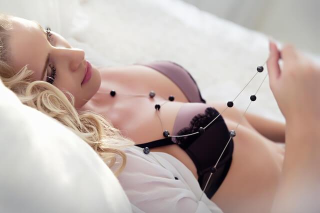 Aliments pour bien bander fort sans viagra: belle femme nue érotisme