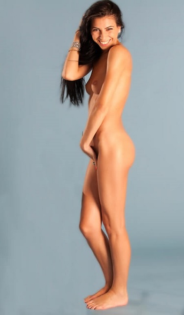exercice de kegel hommes: Belle femme nue heureuse